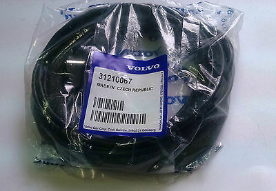 NEW GENUINE VOLVO iPod Cable-USB OEM part 31210067