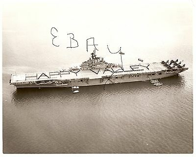 1956 8X10 Us Navy Photogrpah Of Uss Happy Valley Cvs-45 In Action At Sea Look