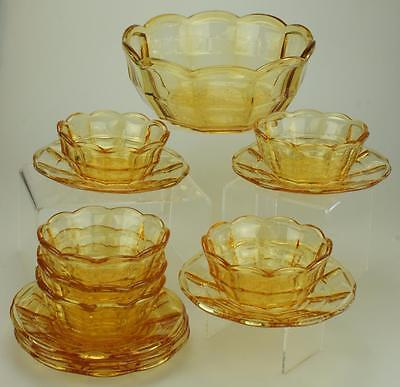 13 pieces Pioneer Pattern Amber Sun Gold Scalloped Fruit Bowl Federal Glass SS94