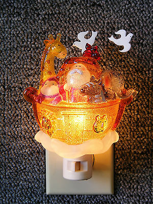 NOAH'S ARK NIGHT LIGHT w/ ANIMALS NITELITE HOLIDAY ACCESSORY