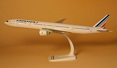 Air France Boeing 777-300ER 1:200 Herpa Snap-Fit FlugzeugModell 608909 NEU B777