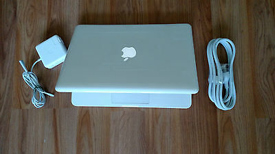 "Apple MacBook White MC516LL/A. Mid 2010. 13"" a1342. New 1TB SSHD Hybrid. 4GB Ram"