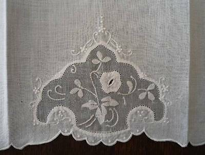 Vintage Hand Towel Madeira White Organdy Embroidered Applique Flower