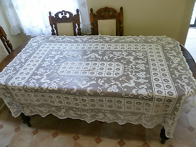Vintage  Knotted  Off White/ Cream Cotton Tablecloth Size 175 Cm X 137 Cm