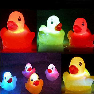 1Pc Baby Kids Bathtime Bath Toy Floating Duck Funny Chang Color Flashing LED Toy