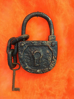 "8.75"" Halloween Lock and Key Haunted House Prop"