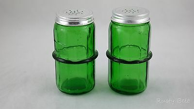 Set of Green Salt Pepper Shakers Rack Ring Look In the Attic & Co Ypsilanti, MI