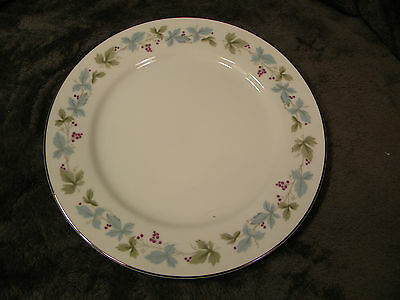 """MS Fine China of Japan Vintage #6701 Grapes and Leaves Dinner Plate 10 1/4"""""""