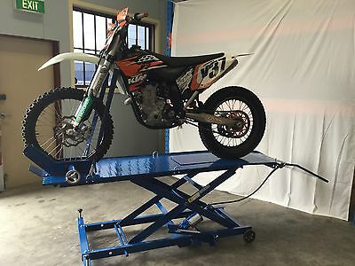 Motorcycle Lift Bench Air / Hydraulic Hoist Motorcycle Workbench @ Dtm Trading