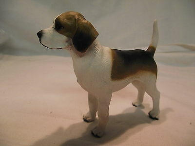Statue de collection  CANINE KINGDOM - Chien BEAGLE DEBOUT
