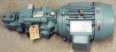NEW DAIKIN VD3-15AIR-95 PISTON PUMP w/M15A1-2-90 INDUCTION MOTOR **MAKE OFFER**