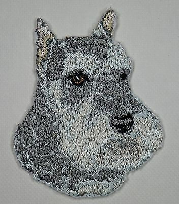 Papillon Embroidered Motif Iron//Sew On Patch Badge Dog Embroidery