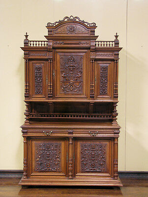 1108014 : Large Antique French Renaissance Walnut Buffet Sideboard Cabinet