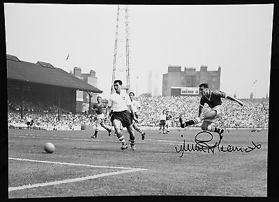 Jimmy Greaves Chelsea Signed 12x16 Football Photograph