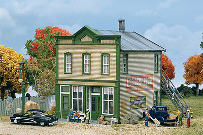 3650 Walthers Cornerstone River Road Mercantile HO Scale Kit