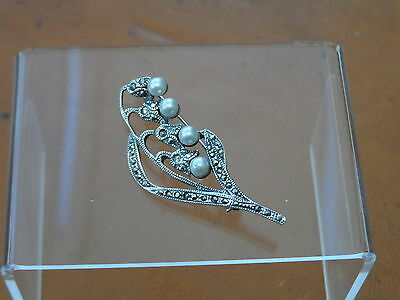 Beautiful Vintage Marked Sterling Silver,Faux Pearl & Marcasite Brooch 4.16gr