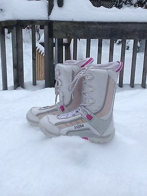 5150 (FiftyOneFifty) Snowboard Boots US Junior Size 5