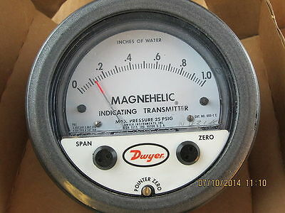 """Dwyer 605-0 Differential pressure indicating transmitter, range 0-.50"""" w.c., max"""