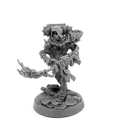 28mm-scale FEMALE BATTLE SORORITA SISTER WITH HEAVY FLAMER AND GAS MASK