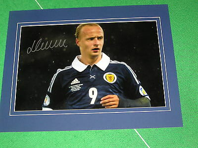 Glasgow Celtic Leigh Griffiths Signed & Mounted Scotland International Photo