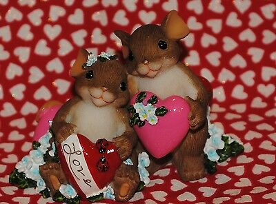 "Charming Tails ""i Have So Much Love For You"" Mice Holding Each Other's Heart!"