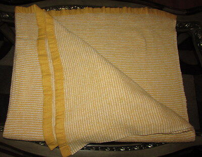 Vtg Acrylic Yellow Gold & White Thermal Woven Blanket Binding Twin Size 72x94