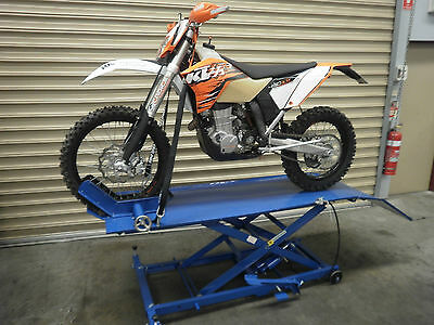 Motorcycle Lift Bench, Hoist, Air /hyd Lift Work Bench @ Dtm Trading (C6003Q)