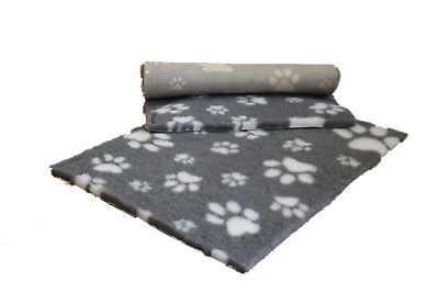 Vetfleece® Non-Slip Vet Bed Dog Cat Fleece Bedding Grey with White Paws