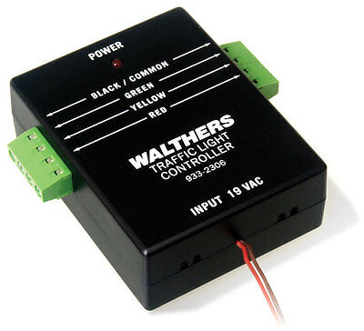 4389 Walthers SceneMaster 2 and 4 Way Traffic Light Controller