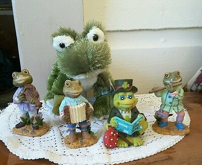 Singing Band Frog Fgurines Pottery Lot of 4 Free Plush Ganz  Frog