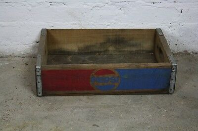 VINTAGE WOODEN PEPSI SODA CRATE 70s RETRO TRUG BOX BLUE