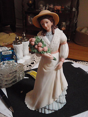 Home Interior Porcelain Lady with bouquet of flowers & Hat 1468