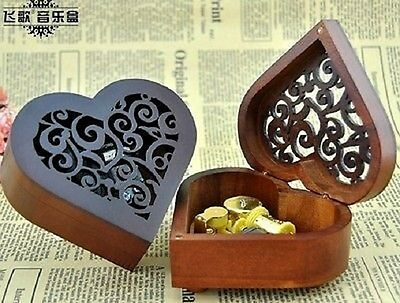 HEART WOOD CARVING MUSIC BOX : Howl's Moving Castle Theme