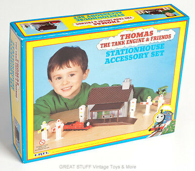ERTL STATION HOUSE Accessory Set THOMAS the TANK ENGINE & Friends Vintage BNIB