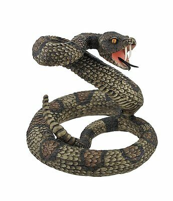 Striking Diamondback Rattlesnake Snake Statue Figurine, New, Free Shipping