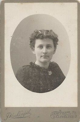Cabinet Card Portrait Of Beautiful Shy Young Woman - Cleveland, Ohio
