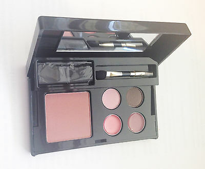 Elizabeth Arden Sugar Plum Palette - New - Blush Sugar Plum plus Eyes and Lips