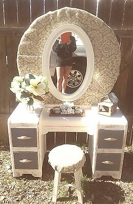 Beautiful vintage vanity