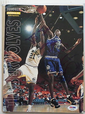 Kevin Garnett Autographed Rookie Program signed in 1995 PSA/DNA  COA AA22899