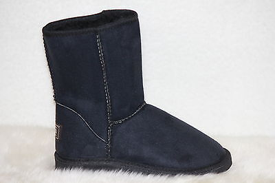 Ugg Boots Short, Synthetic Wool, Colour Black, Size 8 Lady's/Size 6 Men's