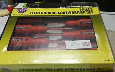 Medalist Electrician 7pcs Screwdriver set in a carry case  bandnew sealed