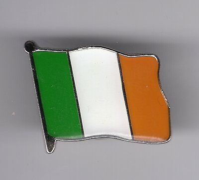 Easter 1916-2016 Commemorative Collectors Tricolor Coin & Easter Lily PIN/Badge
