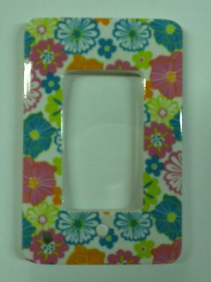 Lighted Magnifier small size 2.5 in by 3.5 in Stylish Colorful Flowers  NEW