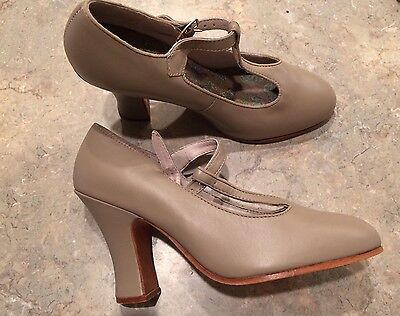CAPEZIO women's 5 high heel Dance Tap Jazz Shoe NEW