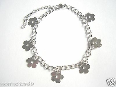 Daisy flower shaped charm silver coloured adjustable chain anklet - festival