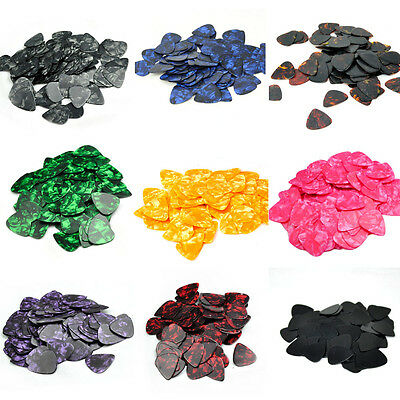100pcs/lot 0.71mm Medium Guitar Picks Celluloid Plectrums Blank 12 color
