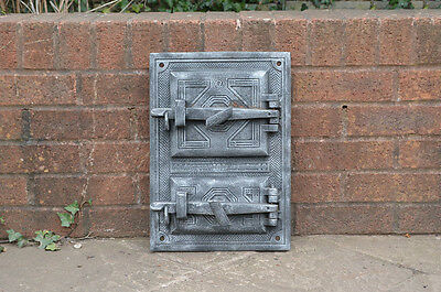 29.7 x 41.9 cm old cast iron fire / bread oven door/doors /flue/clay/range/pizza