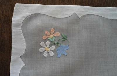 Vintage Madeira Organdy Linen Tray Doily Applique Hand Embroidered Pink Placemat