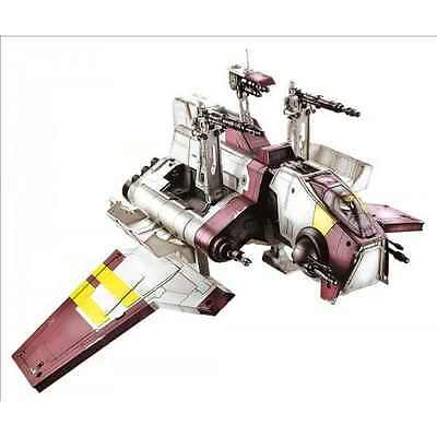 Star Wars Republic Attack Shuttle + Clone Pilot  Action Figures and ship