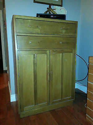Beautiful Antique Hutch with 2 drawers and 2 doors